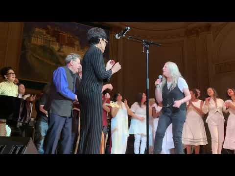33rd Annual Benefit Concert - Patti Smith, Iggy Pop, Bettye LaVette - People Have the Power