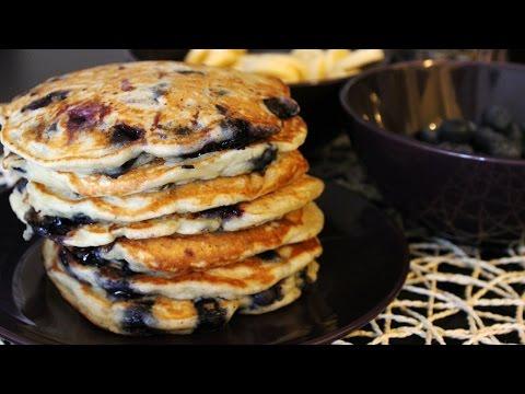 Vegan! Banana-Blueberry Pancakes (Recipe)