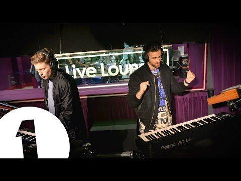 "Blonde ""Work' (Rihanna cover) Radio 1 Live Lounge"