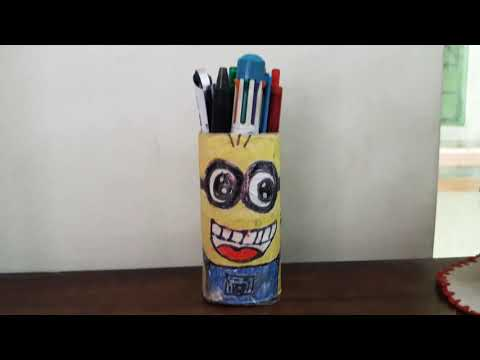#recycling#minion#penholder😁😁😁 How to recycle tissue paper rolls By diy superstar