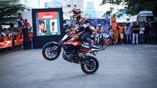 Stunning Stunt Performances on Ktm duke 390 and Ktm duke 200 | Wheelie , Burnout , Powershots |