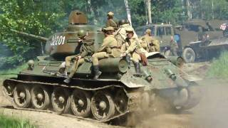 Russian world war two tank. T-34 extremely close!!! Bahna 2010 (HD)