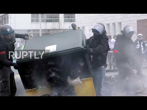 France: Chaos in Lyon as &39;Yellow Vests&39; clash with police