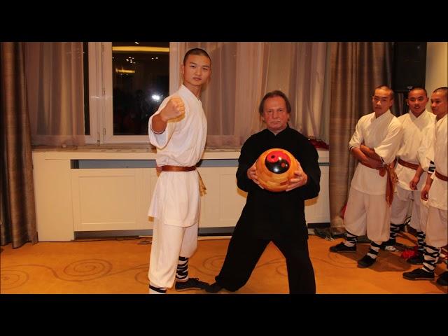 GM Walter Toch meet his old Master Jiao Hong Bo Shi De Ding 31e Generation Shaolin Monks
