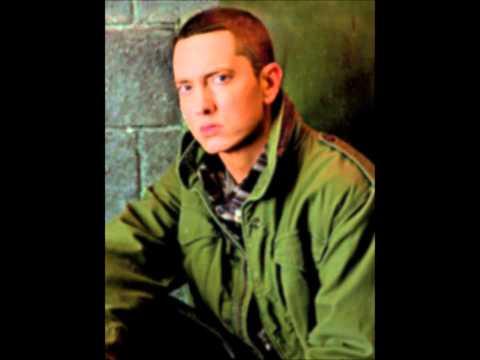 Nicki Minaj & Eminem - Roman's Revenge (HQ)!