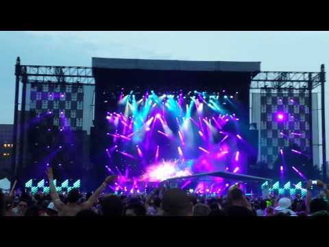 Hardwell  Red Hot chili Peppers Californication Remix @ Electric Zoo 2013
