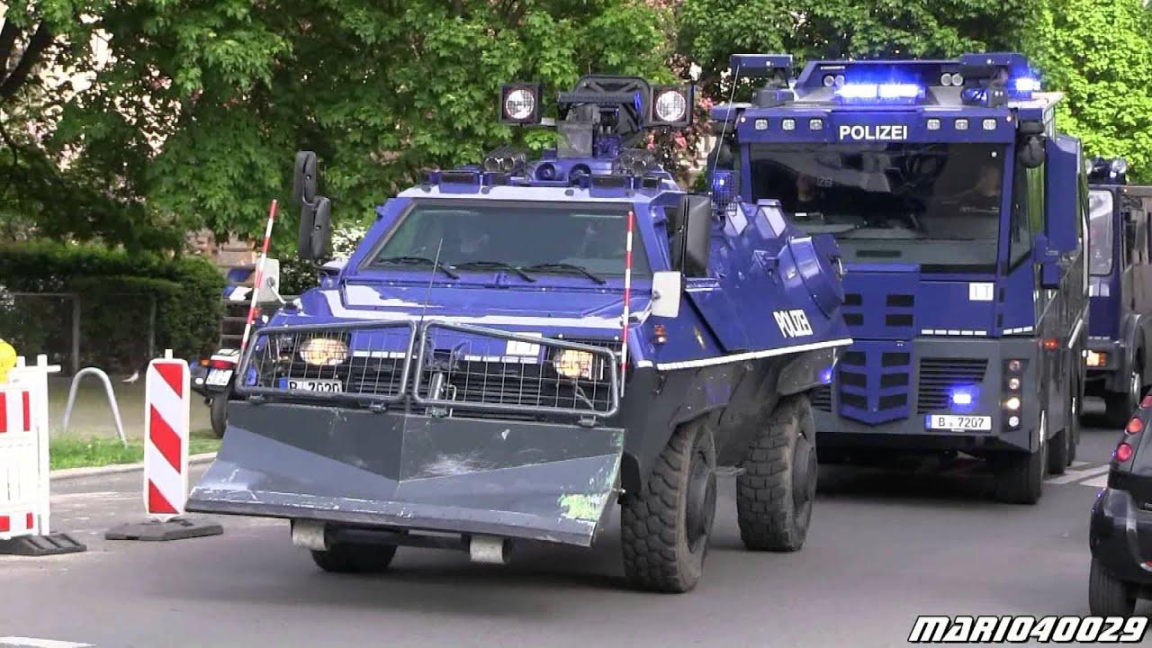 1 mai berlin kreuzberg 11x einsatzfahrzeuge polizei. Black Bedroom Furniture Sets. Home Design Ideas