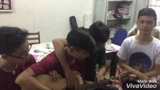 Ông bà anh - 4-men-on-a-guitar cover