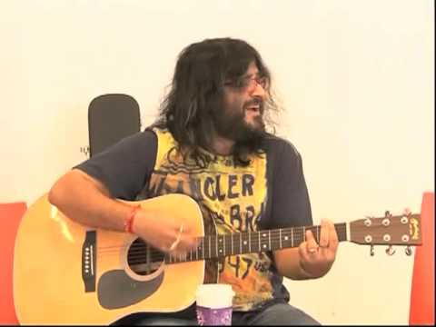 Cocktail - Pritam plays Daaru desi and gets the Screen team high