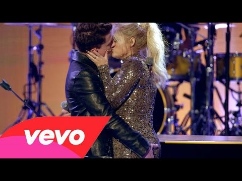 Meghan Trainor & Charlie Puth - Like I'm Gonna Lose You & Marvin Gaye (AMA's 2015) HQ