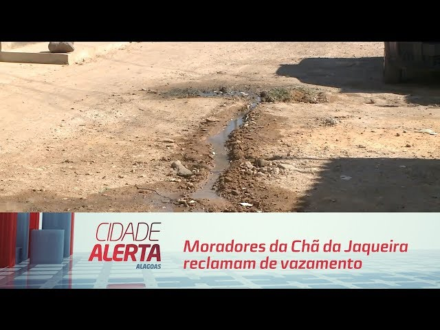 Moradores da Chã da Jaqueira reclamam de vazamento