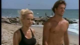 Pamela Anderson et Matt Brody (David Charvet) dans Alerte à Malibu