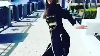 Dans eden güzel kız