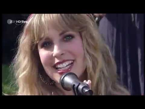 Blackmore's Night - 'Highland' (2010) // ZDF Fernsehgarten // Official Live Video