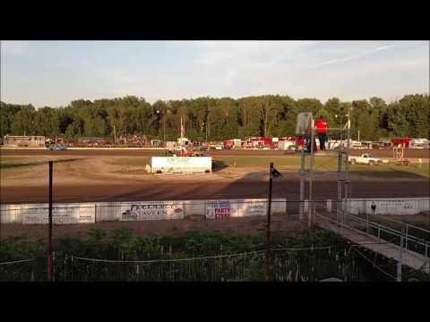 4 Cylinder Heat Races Mt. Pleasant Speedway 6/3/16