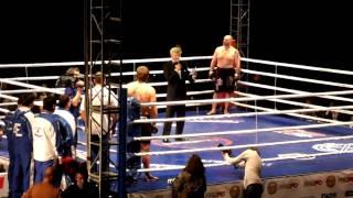 Емельяненко побил Бенгтссона за 44 секунды (другой бок)