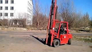 Вилочный  погрузчик  б/у Ниссан 3 тонны  со свободным ходом(Рабочий . Предлагаем для аренды за 3500 гр в неделю . Только Киев . Цена продажи 7000 долл ., 2015-03-26T09:03:19.000Z)