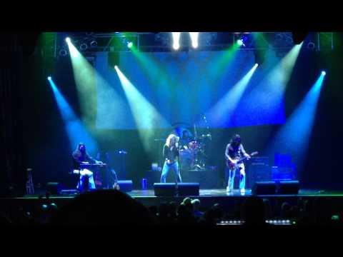 """Kashmir"" performed live by Led Zeppelin 2 tribute band"