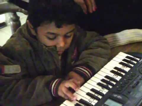 DO A DEER A FEMALE DEER - keyboard with notes & lyrics- BEAUTIFUL COVER BY CUTE KID - SOUND OF MUSIC