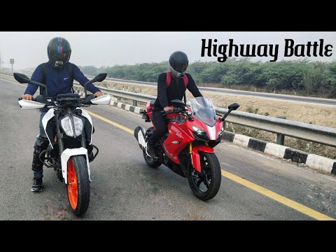 KTM Duke 390 (2018) VS Apache RR310 | RACE | Top End | Highway Battle