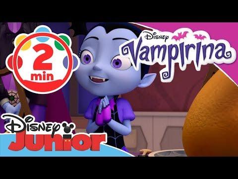 Lustiges Weihnachtsessen.Vampirina Clip Weihnachtsessen Bei Vampirina Disney Junior Kurzgeschichten