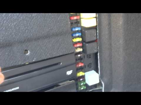Mercedes Benz W211 E500 Fuse Box Locations and Chart Diagram ... on