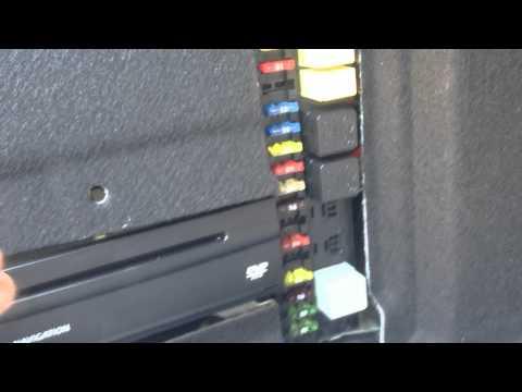 testing air suspension compressor on 04 e500 doovi. Black Bedroom Furniture Sets. Home Design Ideas