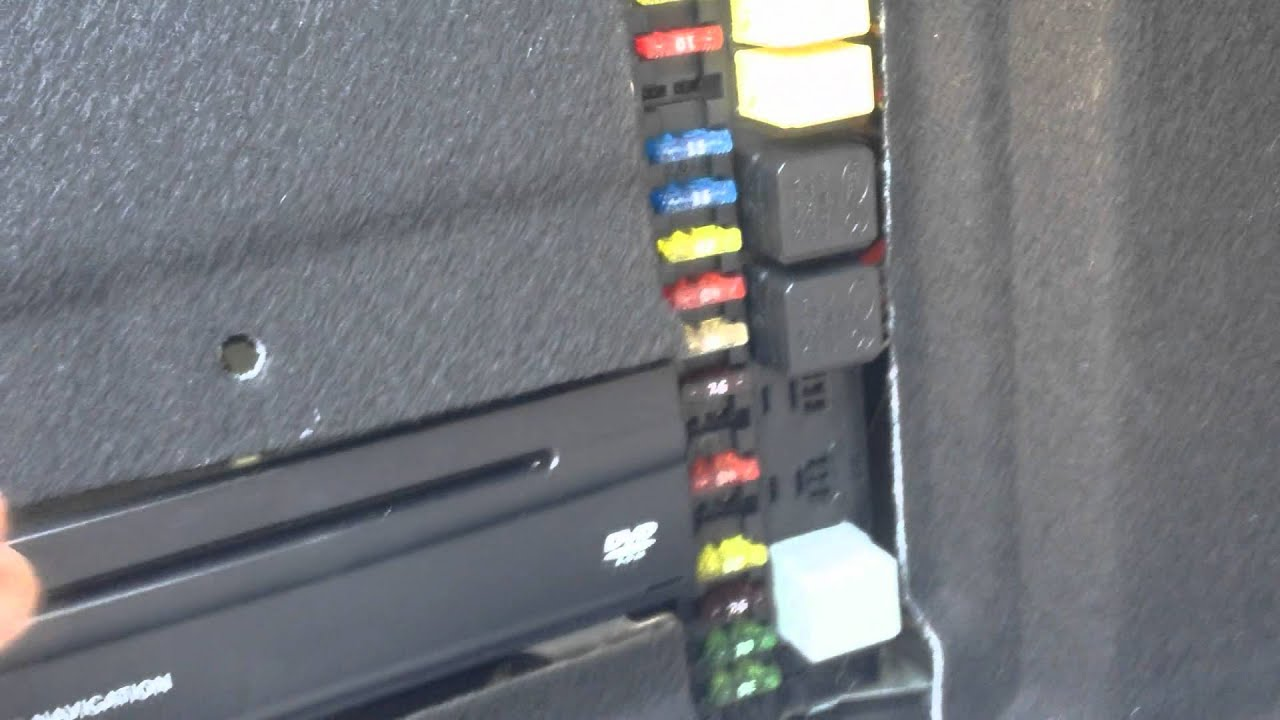 mercedes benz w211 e500 fuse box locations and chart diagram youtube rh youtube com