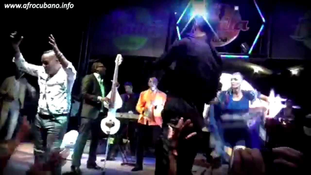 Elito Revé y su Charangón - Agua Pa' Yemayá Lyrics ...