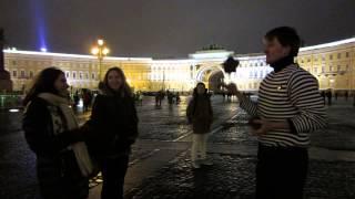Девушки из Ростова-на-Дону рекомендуют уроки жонглирования булыжниками.