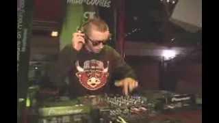 """Navy Pier's Electronic Dance Music """"drop The Beat"""" At Landshark Beer Garden"""