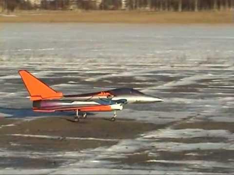 Первый полёт модели с ТРД с форсажем