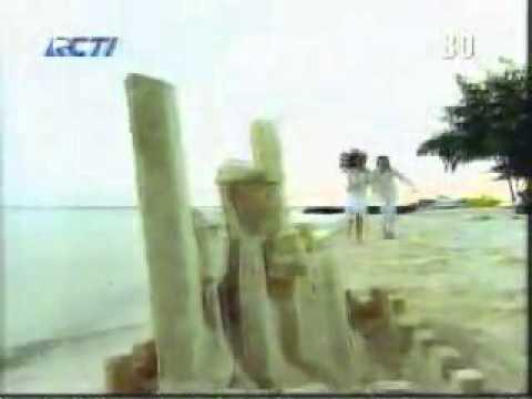 Opening Bukan Diriku (2006)