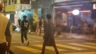 山下智久拍摄的是一场被韩庚及凤小岳追逐的场面,情节还要是在追逐中差...