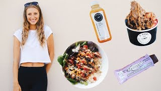 WHAT I EAT IN A DAY VLOG ON MY PERIOD | Bloating? Cravings? Acne?