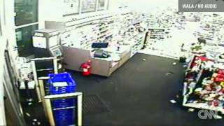 Walgreens Tornado Video Mobile Alabama | Watch Tornado on Walgreens CCTV On Christmas Day