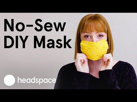 How to Make a DIY No-Sew Face Mask