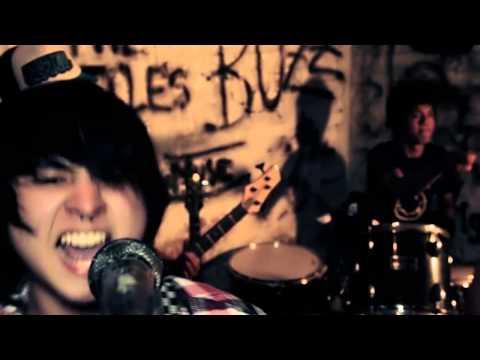 The Little Corns - Krokodil ((Video Oficial))