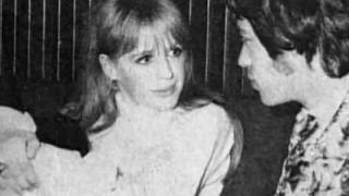 Close Up - Marianne Faithfull 2/5