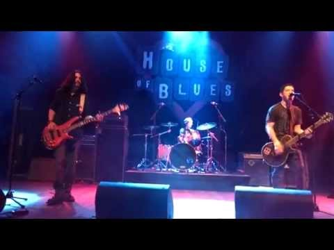 Modern Disorder- Escape It All (Live)