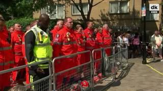 Storbritannien holder et minuts stilhed for Grenfell Tower-ofrene - DR Nyheder