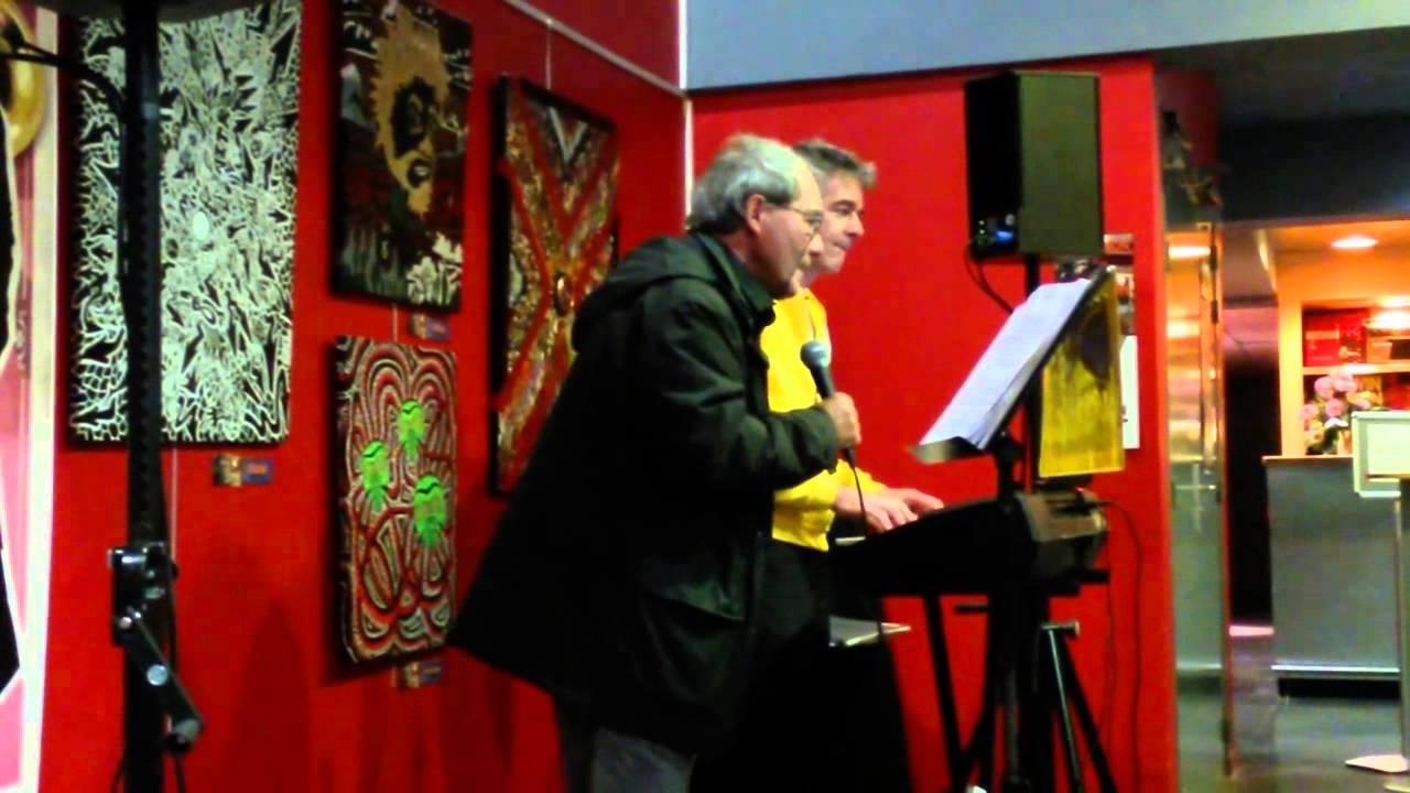 Le Piano Qui Chante Au Deux Pièces Cuisine