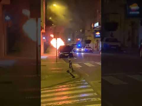 Arden dos contenedores de la calle San Roque en Lugo