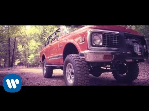 Cole Swindell - Chillin' It (Official Video)