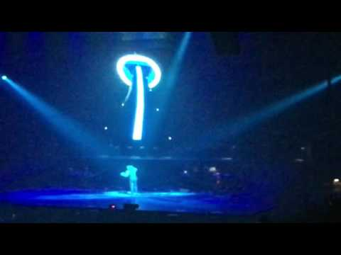 Drake - 9 (Live At The American Airlines Arena Of The Summer Sixteen Tour On 8/30/2016)