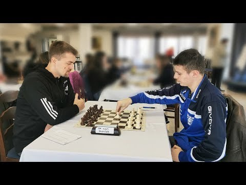 Bobby Fischer Laughed At It, Magnus Carlsen Plays It