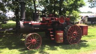 Gaar Scott 20 H.P. steam engine threshing