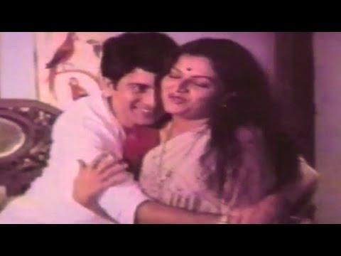 Ranjana, Ravindra Mahajani, Devghar - Marathi Romantic Scene 6/18