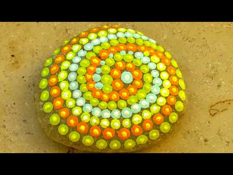Mandala-Steine bemalen.