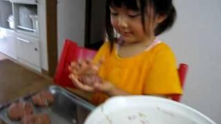 手作りハンバーグ making of hamburger